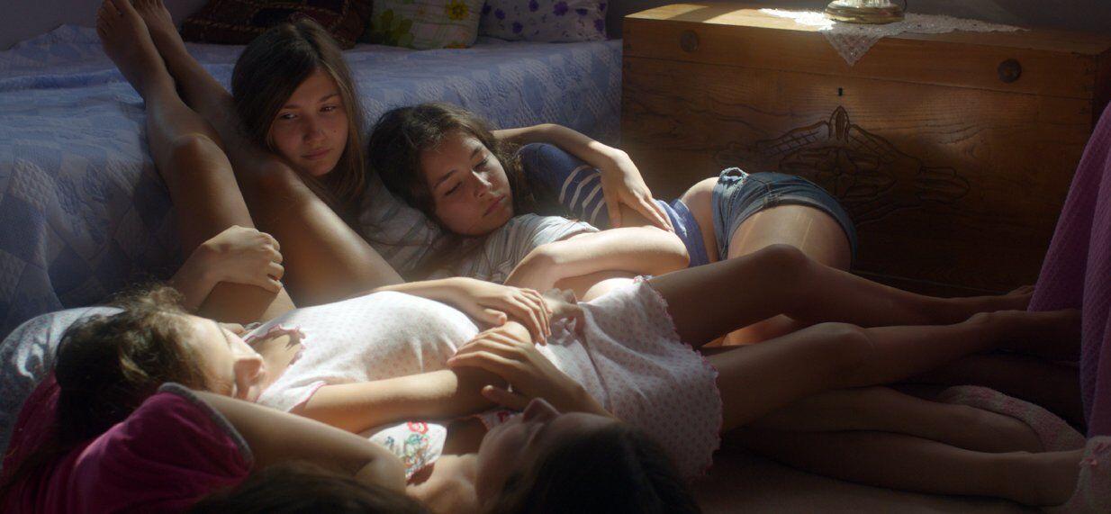 erotika-film-dlya-lesbiyanka-kukla-steysi